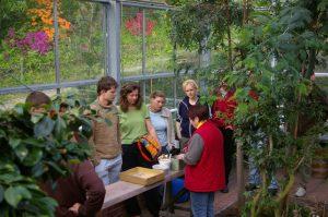 Lehrveranstaltung im Forstbotanischen Garten (Gewächshaus)